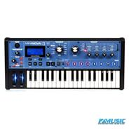 NOVATION MiniNova Con Vocoder