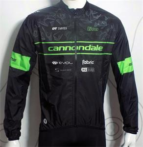 Campera rompeviento Team Cannondale